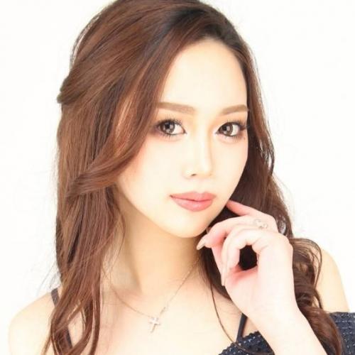 福岡・福岡市(キャバクラ)CLUB Charmantに所属する貴月 百萌(Momo Kizuki)