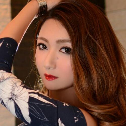 福岡・福岡市(ニュークラブ)LÉCRINに所属する水城 エリカ(Erika Mizuki)